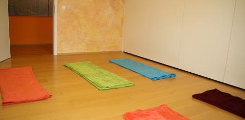Ein Einzelraum mit Decken